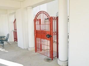 gates-04100